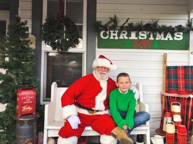 Christmas Farmhouse Tour